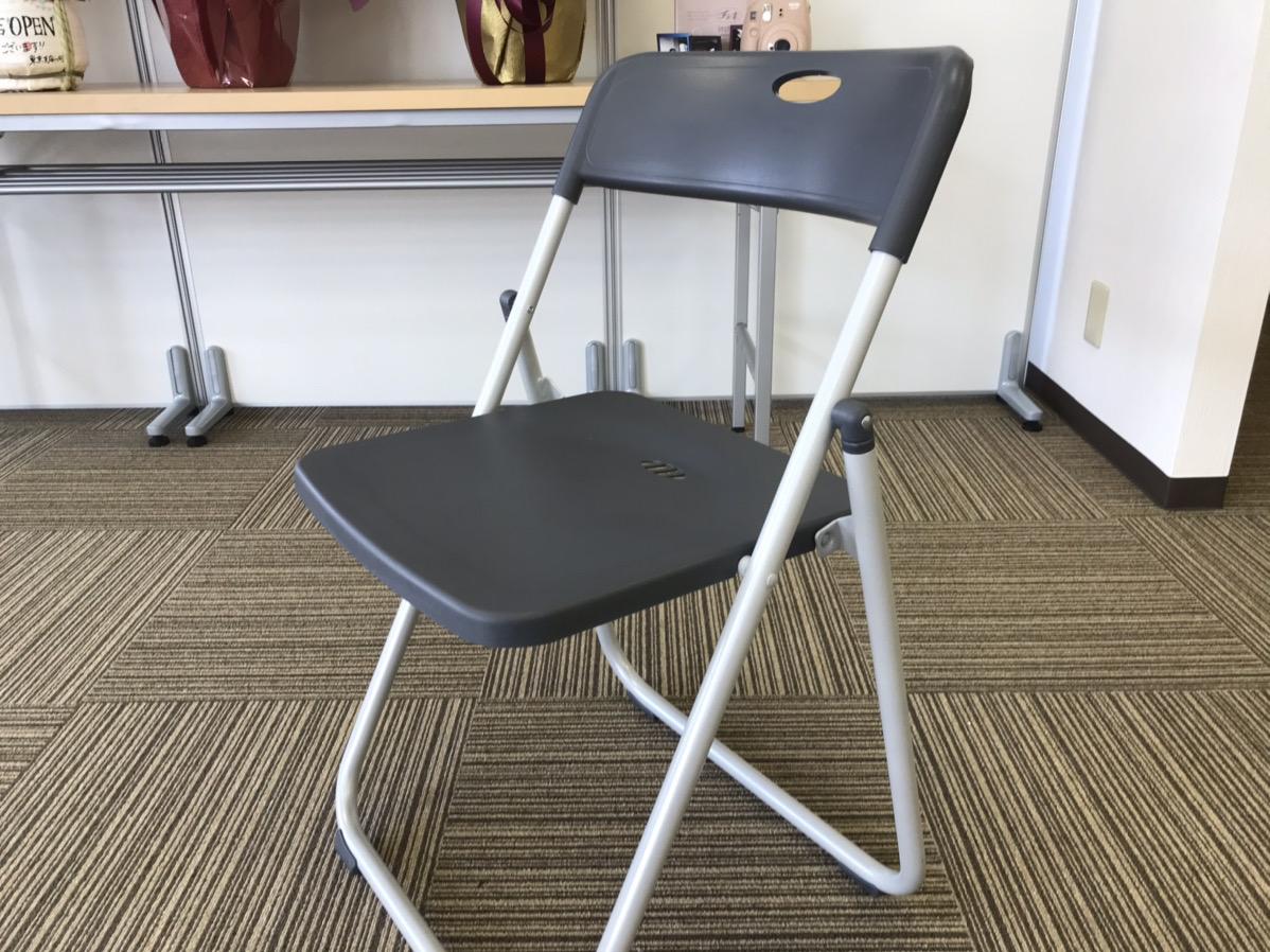 軽くて丈夫なプラスチック製パイプ椅子レンタルできます!